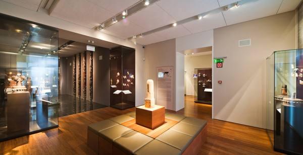 Zelnik Istvan Southeast Asian Gold Museum